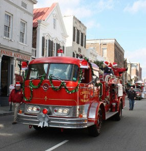 Charleston Holiday Parade